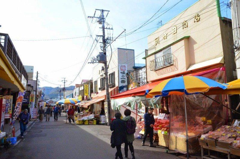 chợ sáng - địa điểm mua sắm nổi tiếng