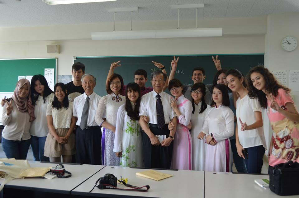 Môi trường học tập ở Nhật nghiêm túc nhưng cũng rất vui vẻ