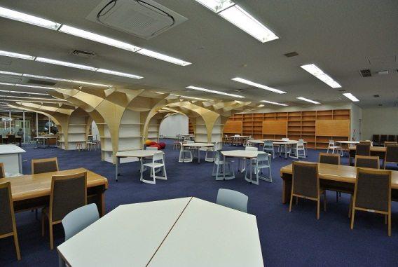 Thư viện khang trang, tiện nghi…